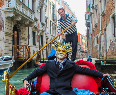 Venice - Gondola & Mask - Bucket List