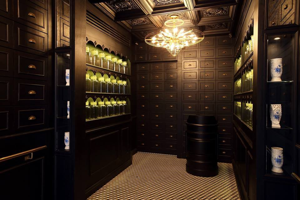 Food Bucket List: Dining in absolute darkness - Alchemy, Hong Kong